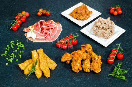 """Assortiment """"Tapas"""" 6 personnes. Spicy de poulet, chicken wings mexicains, sicilienne de volaille, jambon sec, rillettes d'oie"""